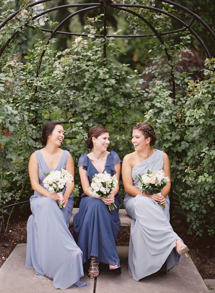 Cleveland Botanical Garden wedding with pretty bridesmaids dresses / florals by Molly Taylor & Co. / photo by Lauren Gabrielle Photography / planning & event design by A Charming Fete
