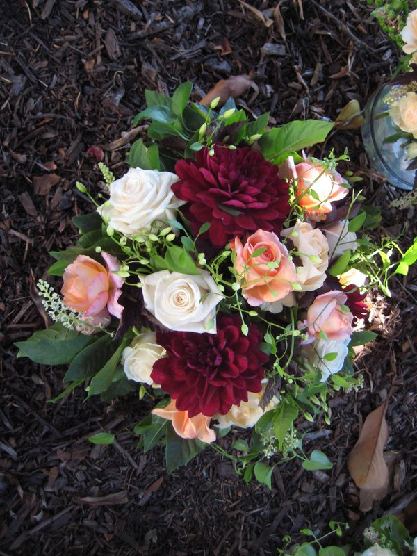 Best 25+ August wedding flowers ideas on Pinterest ...