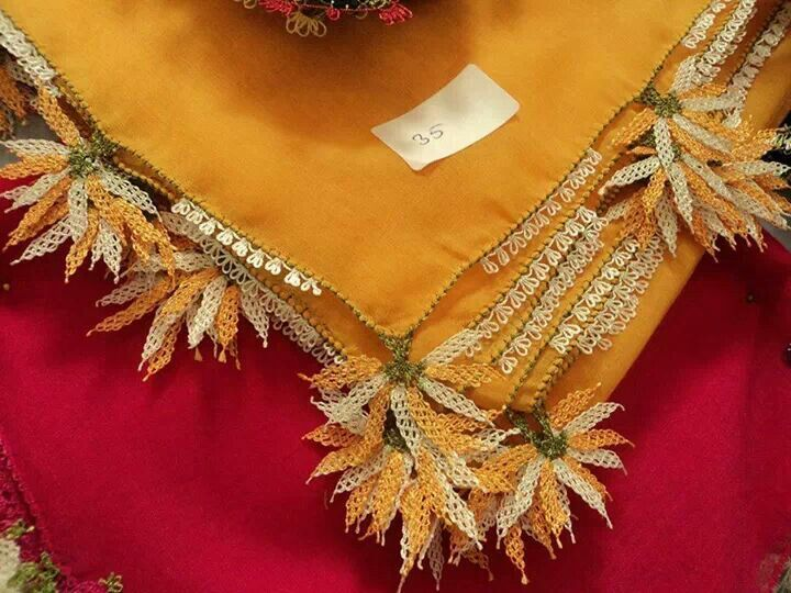 'iğne oyası' (Turkish needle lace) edging a 'yazma' (head scarf).  Design: 'sarı papatya' (yellow chamomile flower).