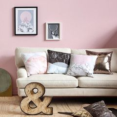 White Marble Triangle Cushion