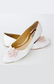 Badgley Mischka Bridal Shoes - Blow Out Sales Event by @Kathy Akins Events Athens - Wedding Planning  Find more here http://www.weddingtales.gr/index.php?id=1372