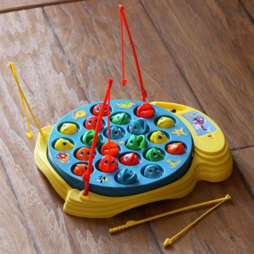 fishing game ! My best friend had this when we were 6! She would always try n cheat tho. Loll