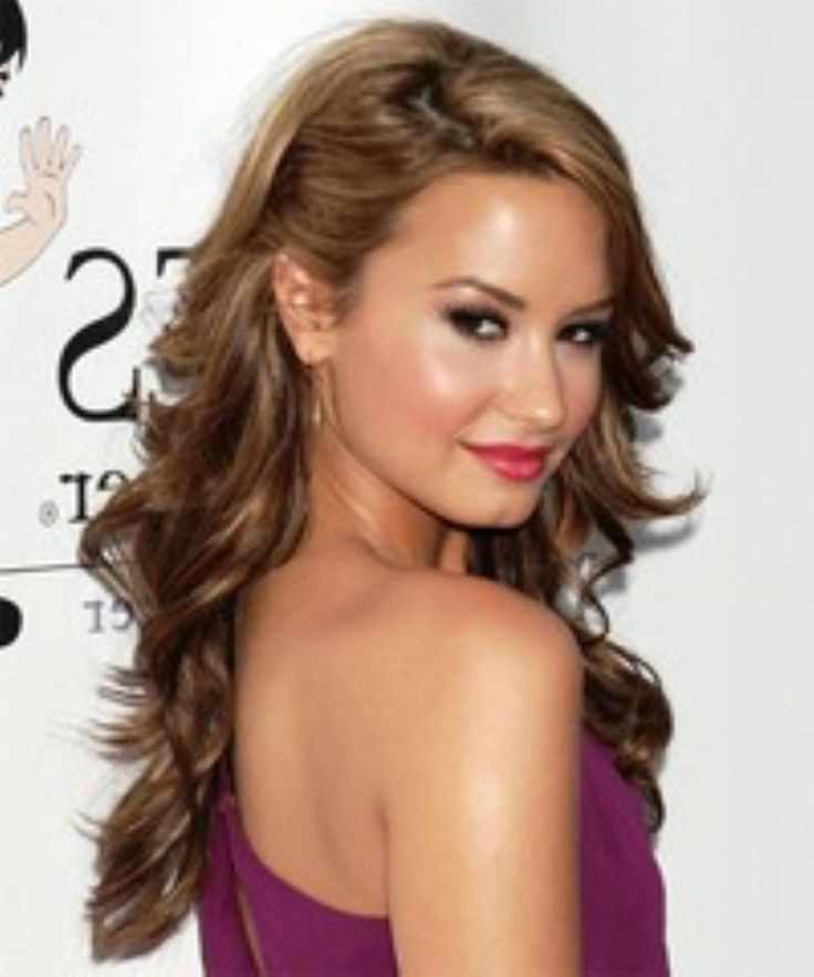 Awesome Demi Lovato Prom Hairstyles