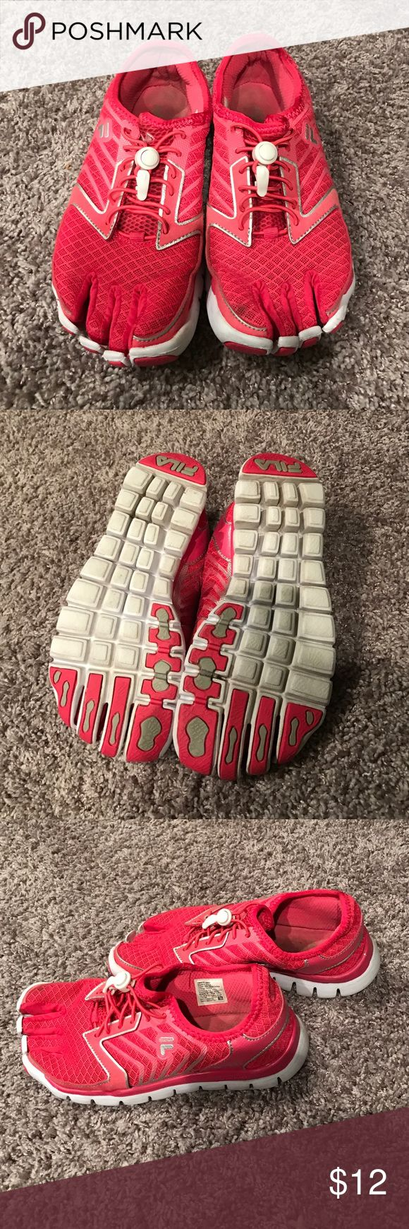 NEW LISTING! Flex Running Shoes Pink Fila flexible slip on running shoes. Separated toes. Size 61/2 Fila Shoes