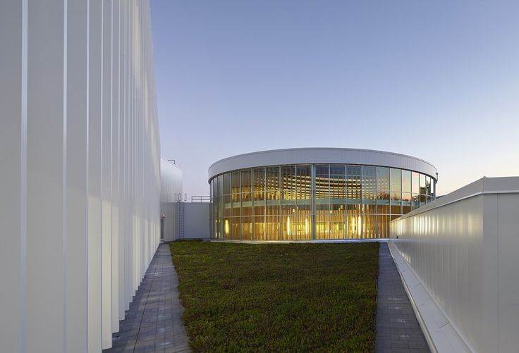 UTM Innovation Centre / Moriyama & Teshima Architects