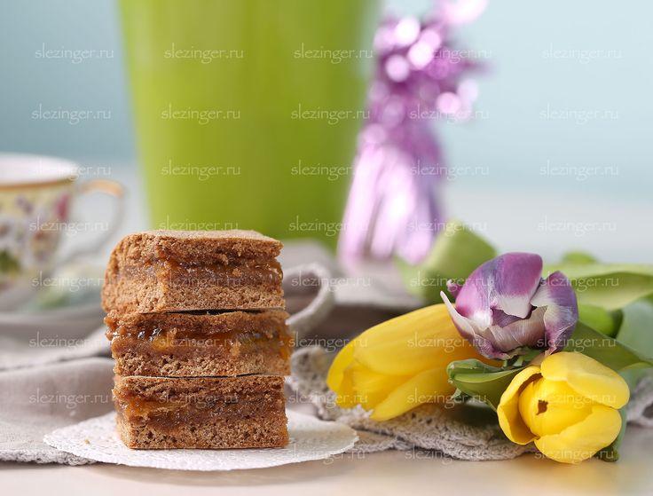 Полезный тульский пряник   Рецепты правильного питания - Эстер СлезингерИнгредиенты:  Мед: 90 г.  Мука ц/з пшеничная: 150 г.  Масло сливочное: 15 г.  Яйцо: 1 шт.  Джем абрикосовый (или любой на ваш вкус): 150 г.  Сода: 1/2 ч.л.  Соль: щепотка Стевия: по вкусу Корица: 1 ч.л.  Имбирь: по желанию 1/2 ч.л.  Кардамон: 1/2 ч.л.