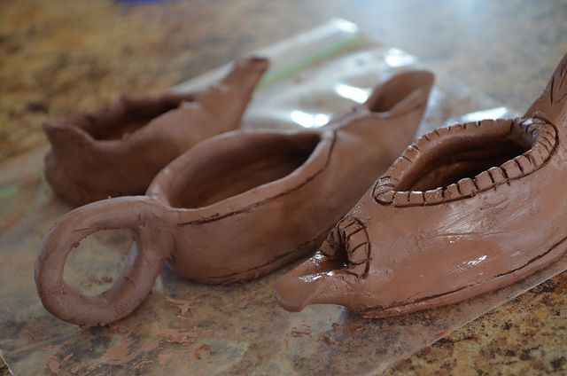 How to make a clay oil lamp by Mormon Share - Jenny Smith, via Flickr