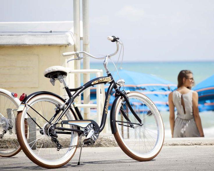 Disfruta de nuestra Cruiser Man en la playa:    https://bicicletaclasica.com.es/tienda-bici-clasica-online/shop/adriatica-bicicleta-clasica/adriatica-cruiser-man/    #bicicruiser #avantumbikes #adriatica