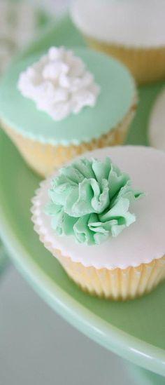 mint wedding cupcakes - Google Search