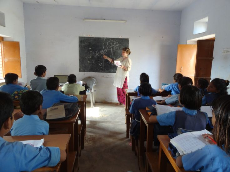 Volunteer programs in the India, the land of color, with Love Volunteers!