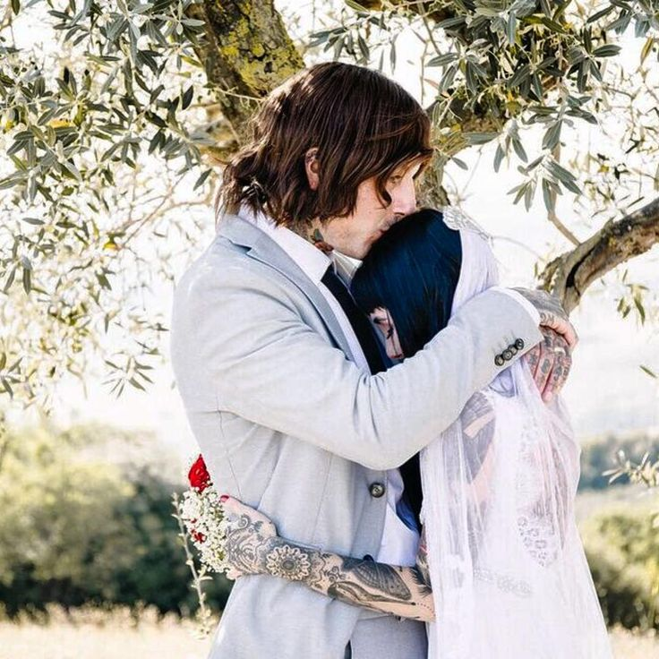 Oliver Sykes and Hannah Pixie Sykes  Perfect couple!!