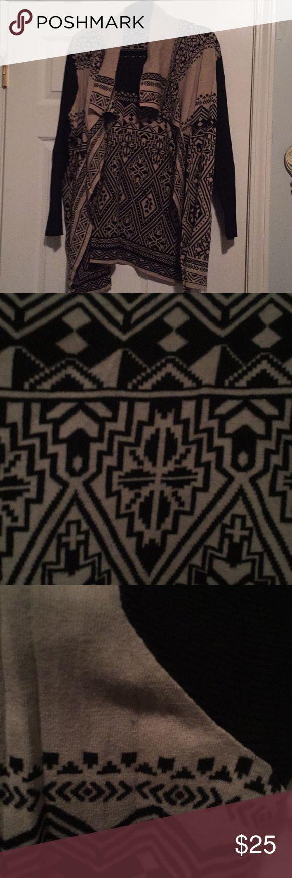 VGUC Lucky Brand 2X Aztec print cardigan VGUC Lucky Brand 2X Aztec print cardigan Lucky Brand Sweaters Cardigans