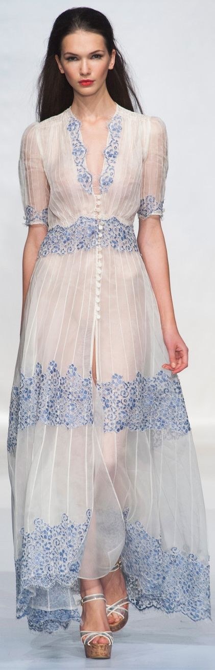 Gradation of Appliqué Trim Thickness. Luisa Beccaria Spring 2014
