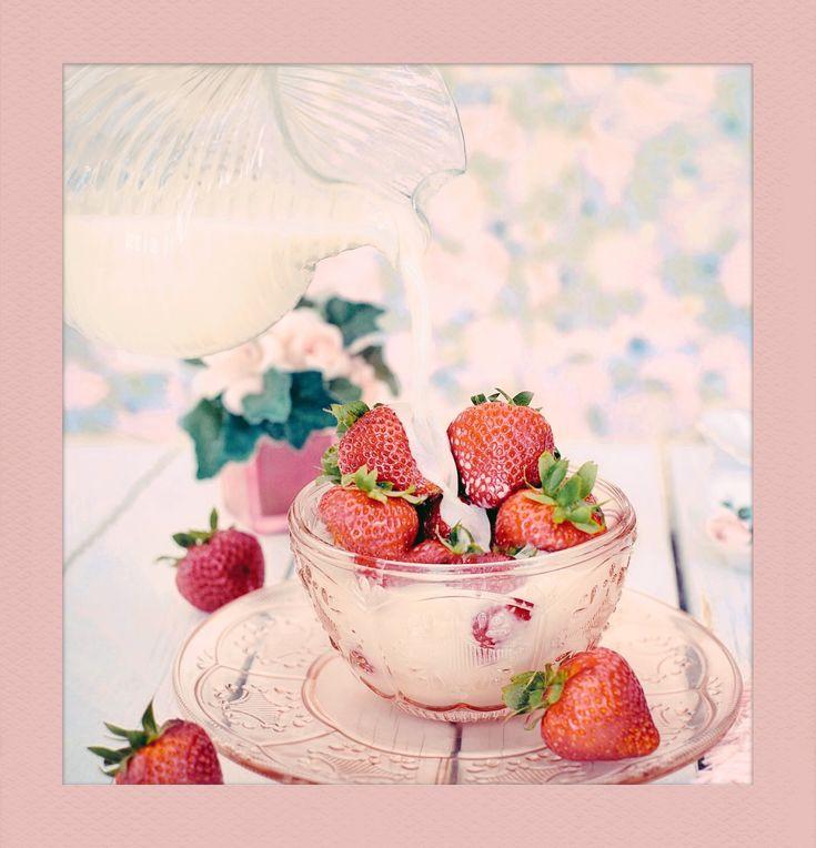 #Strawberries with #Milk. #Follow #PolaroidFx #Polaroid #Frame #Instant #Dessert #Desserts #Yum #Yummy #Strawberry #Fruit #Food #Healthy #Sweet #Delicious