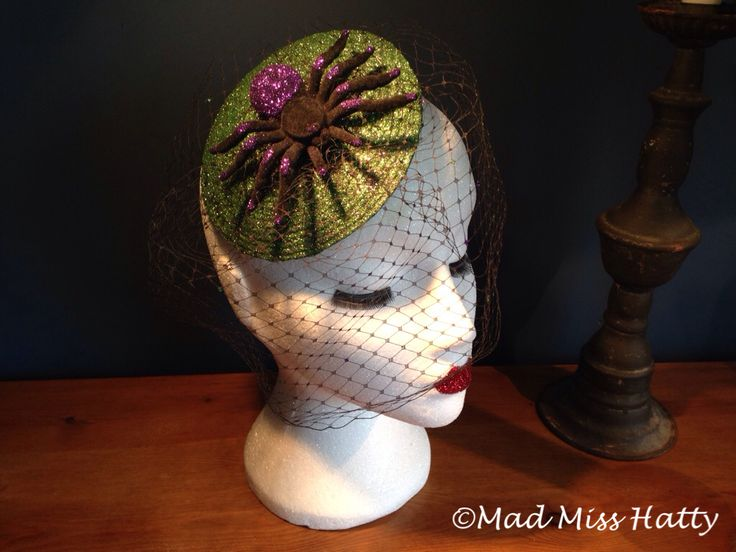 Spider veiled fascinator by Mad Miss Hatty, perfect for Halloween ❤️
