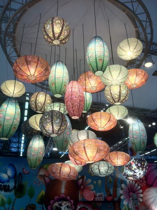 love all these lanterns together its looks amazing pretty colours and patterns