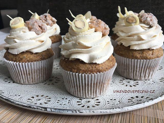 VÍKENDOVÉ+PEČENÍ:+Mrkvové+cupcakes+s+javorovým+sirupem
