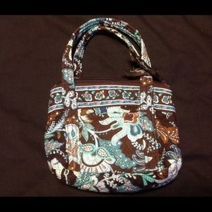 I just discovered this while shopping on Poshmark: Vera Bradley Bitty Betsy Java Blue. Check it out! Price: $8 Size: OS, listed by caroline904