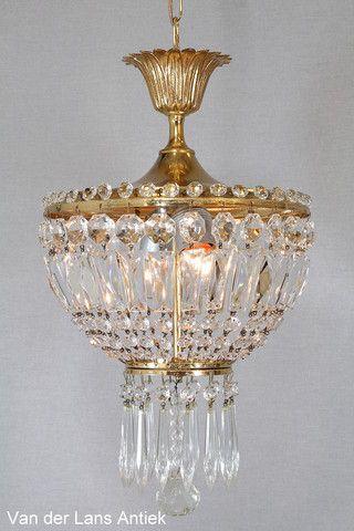 Kristallen kroonluchter 26100 bij Van der Lans Antiek. Meer kristallen lampen op www.lansantiek.com
