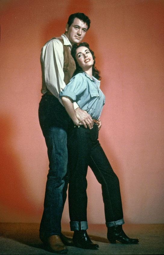 Elizabeth Taylor et George Stevens en 1956 http://www.vogue.fr/mode/inspirations/diaporama/icones-en-jean/7655/image/514536#elizabeth-taylor-et-george-stevens-en-1956