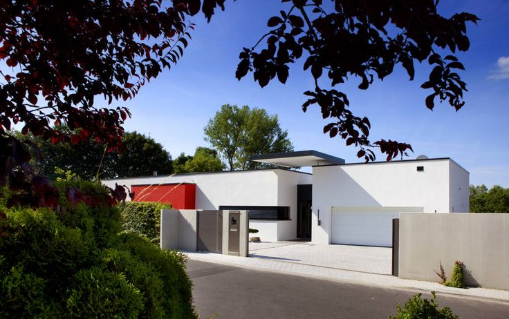 Essa casa tem jardim de pedras e uma decoração de cair o queixo (De Tony Santos Arquitetura)