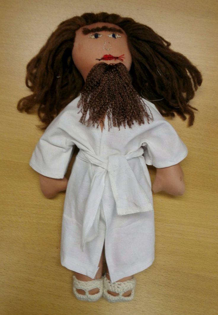 Ensimmäinen tekemäni UNICEF nukke.
