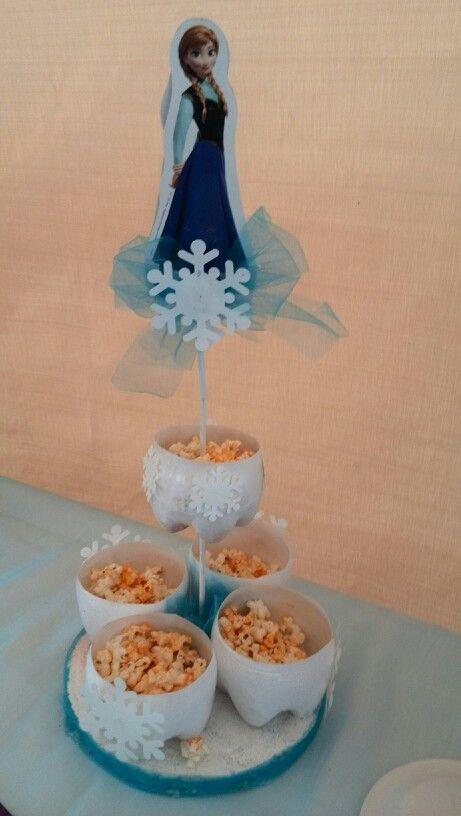 Centro de mesa y botanero frozen frozen pinterest for Centros de mesa de frozen