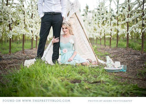 Romantic picnic couple shoot. Images: Adene Photography