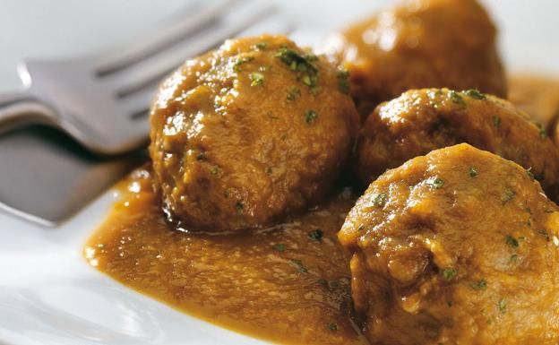 Receta De Albóndigas En Salsa De Martín Berasategui Receta Albondigas Receta Receta De Albóndigas De Carne Recetas De Comida