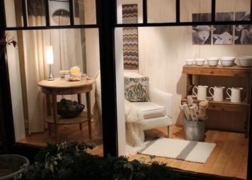 homey inviting storefront view..  Churchmouse Yarns & Teas - Welcome