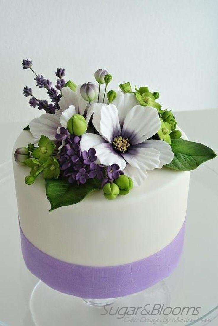 Cake Decorating With Gumpaste Flowers : 10433 best images about Bizcochos on Pinterest Cake ...