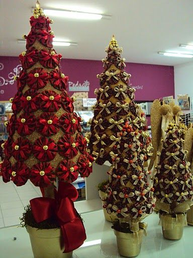 pretty yo yo Christmas trees.
