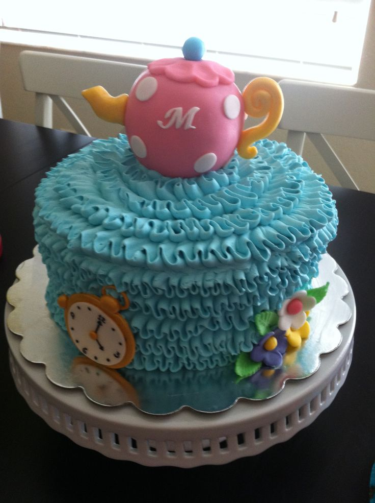 Alice In Wonderland Buttercream Cake With Fondant Teapot Topper Art Of Cake By Kirenia Alice