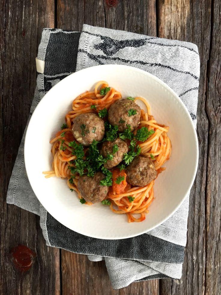 [kjøkkentjeneste]: Spagetti med kjøttboller og spicy tomatsaus
