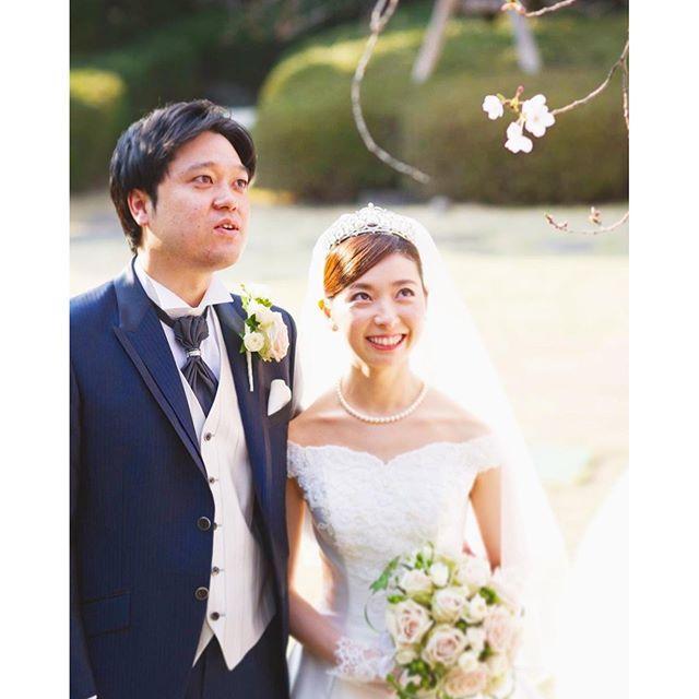 【q.e.d.club】さんのInstagramをピンしています。 《桜の蕾が膨らむ3月…♡一足先に開いた花びらは、まるでお2人を祝福しているようです♪ #キューイーディークラブ#ガーデン挙式#ソメイヨシノ #レストランウェディング#ガーデンウェディング #邸宅ウェディング#ナチュラルウェディング #隠れ家レストラン#大人婚#プレ花嫁#婚約中#結婚式準備 #ウェディングドレス#サプライズプロポーズ#桜 #ウェディングフォト#ブライダルフェア#式場見学#式場迷子 #weddingphotography#weddingceremony #weddingdress#weddingbouquet#weddingparty #weddingcake#springwedding#cherryblossom》