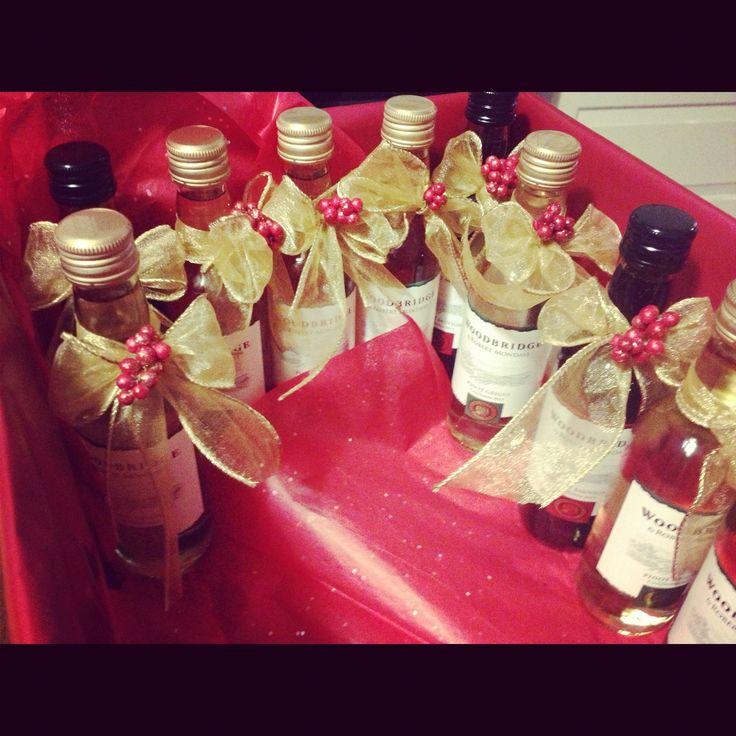 Festive mini wine bottle favors for a christmas party for Mini wine bottle wedding favors