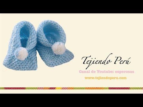 Dos agujas: cómo tejer zapatitos para bebés de dos cuadrados - YouTube