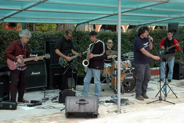 The Mojo Bunch Blues Band playing at the Corfu Beer May Day Festival in Arillas, Corfu