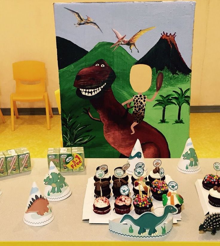 17 best images about dino party on pinterest dinosaur party dinosaur mask and dinosaur photo. Black Bedroom Furniture Sets. Home Design Ideas