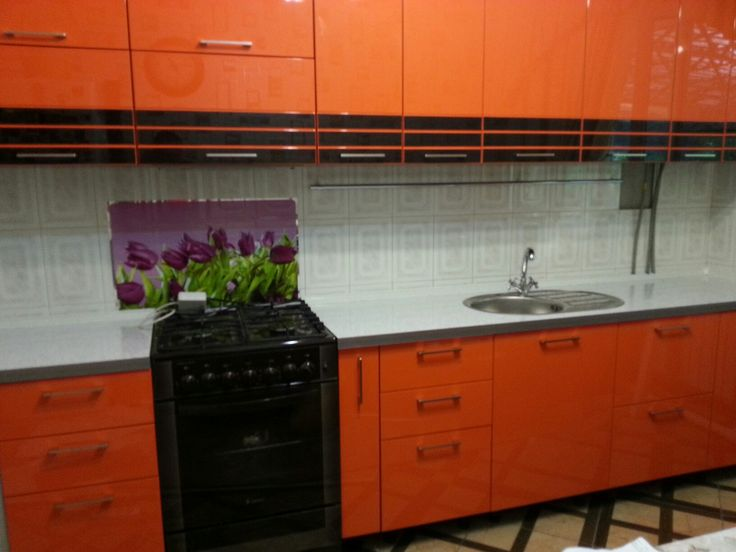 A glossy kitchen by Daddy Andrey.