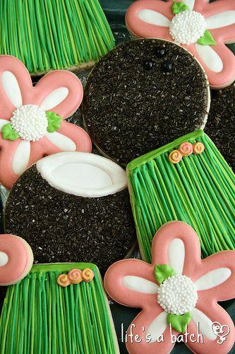 Simple Hula Skirt Cookies {Guest Post}