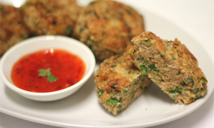 Quick salmon patties - Kidspot