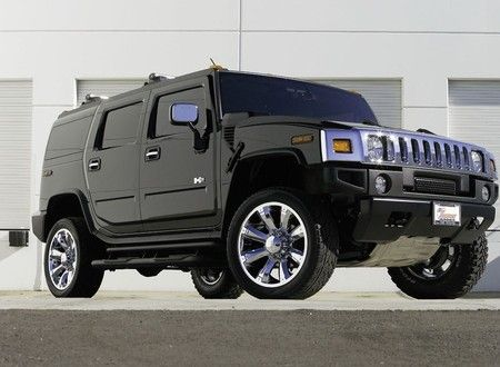 Black Hummer H2 I don't even understand why I'm so crazy obsessed with these<3