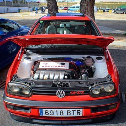 #mulpix Vw Golf Mk3 GTI swap VR6 de @emii_gti también muy gordo!  #Vw #VwPorn #VwMk3 #Golf #VwGolf #GTI #VR6 #SwapVR6 #Swap #Low #LowLife #Static #StaticCar #StaticLife #VR6Doch #MadrizLow #kleenfreaksspain #Coches_Rs