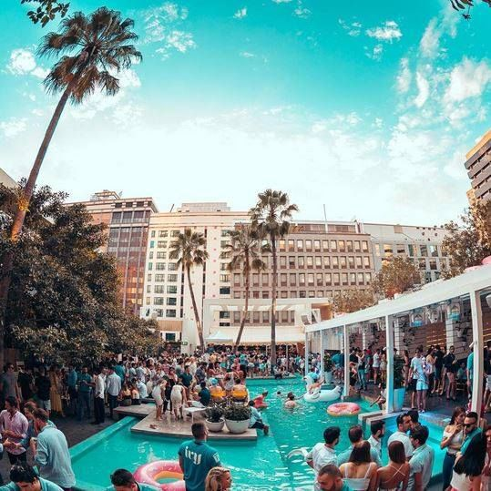 Stay strong because summer is getting CLOSE and this picturesque pool party paradise known as Marco Polo // Pool Club is looking for a cocktail bartender. Tickle your fancy? Apply here: http://www.tastyjobs.com.au/company/Merivale/ Image via @jst_jake