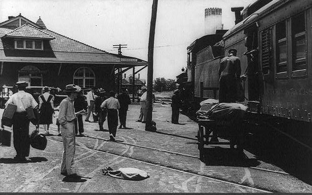 5 x 7 Photo B&W Railroad Train Locomotive Station Cordele Georgia