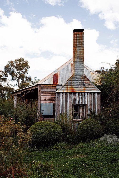Australian timber & iron cottage. Photo by Kara Rosenlund - Shelter - Temple & Webster Journal