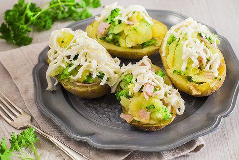 Pár surovin a během chvilky vykouzlíte skvělou večeři. Brambory zapečené s brokolicí vám zachutnají.