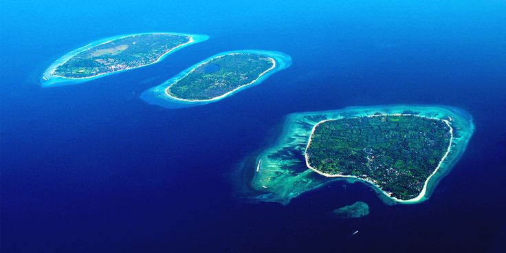 The Gili Guide's Island hopping tour is the perfect combination of ancient culture, awesome activities, tropical forests and relaxing island life!