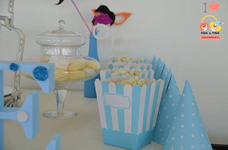articole-petrecere-candy-bar-polka-dots-albastru